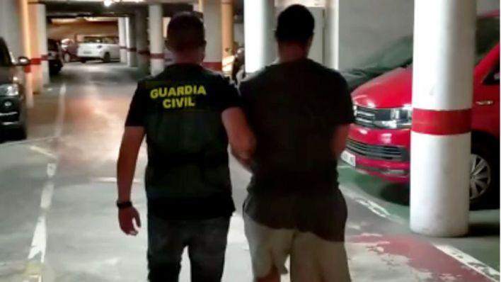 Dos detenidos en Son Cladera y El Rafal por asaltar una casa de Marratxí y dar una paliza al dueño