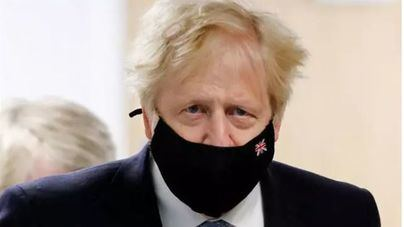 Boris Johnson juzga como 'muy, muy preocupante' el avance de la variante india