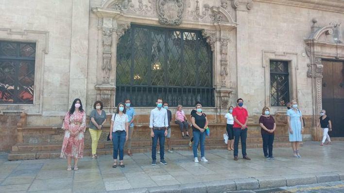Palma guarda un minuto de silencio en memoria de los niños y niñas asesinados por violencia machista