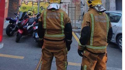 Evacúan una finca del barrio de Son Canals a causa de un incendio en la planta baja