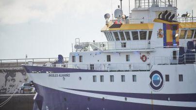 El Ángeles Alvariño prolonga unos días más la búsqueda de Anna y Tomás Gimeno en la costa de Tenerife