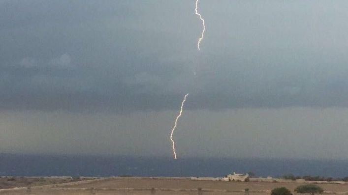 Tormentas secas o lluvias de barro a primera hora y temperaturas estables en Baleares