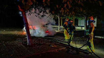 Sofocan un incendio en un vehículo en el polideportivo de Son Hugo