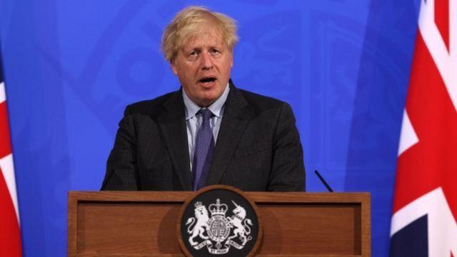 Johnson insiste en el 19 de julio para levantar las restricciones