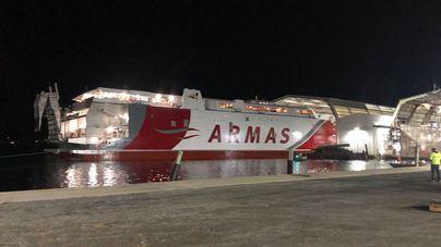 Naviera Armas pone a flote el nuevo catamarán Volcán de Taidía