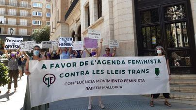 Feministas piden en Palma la derogación de las leyes trans y el cumplimiento de la agenda feminista