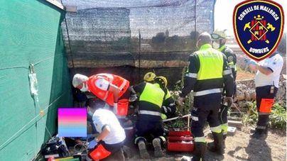 Un niño de 13 años, grave tras quedar su pierna atrapada por un motocultor