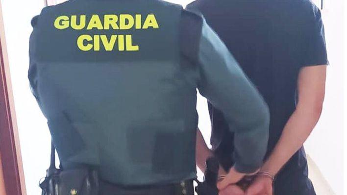 Un guardia civil fuera de servicio evita el robo de un vehículo