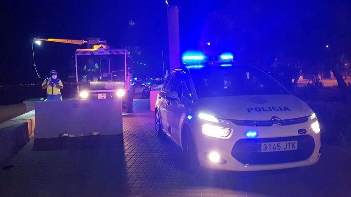La policía levanta más de 150 actas por botellón en Palma durante la noche del viernes