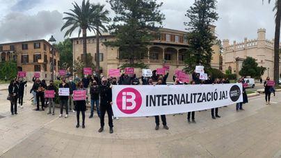 El personal de Informativos de IB3 aplaza la huelga prevista para este viernes