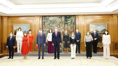 Los nuevos ministros prometen sus cargos ante el Rey