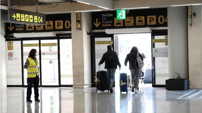 Sanidad amplía a 72 horas la validez de las PCR para entrar a España