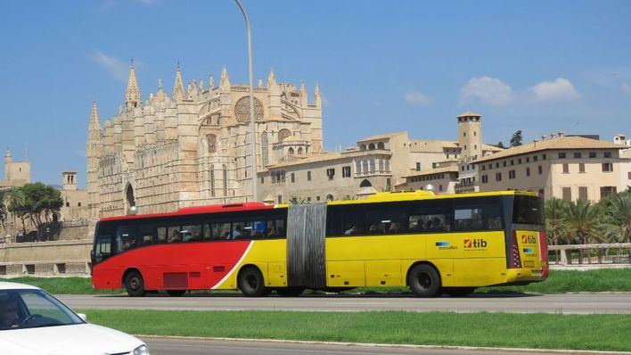 Los menores de 16 años no pagarán en los transportes públicos de Mallorca a partir de septiembre