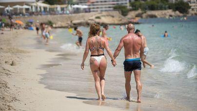 Perfil del turista 2021: Parejas que reservan una semana con menos de 30 días de antelación