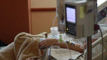 Colegios de Médicos abogan por la sedación paliativa frente a la eutanasia