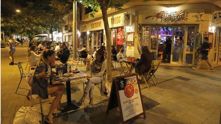 Vuelven las restricciones a Baleares ante el incremento de los contagios