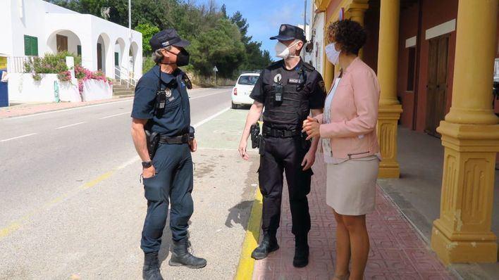 Desalojan una macrofiesta en Ibiza, sin autorización ni mascarillas, con 600 invitados
