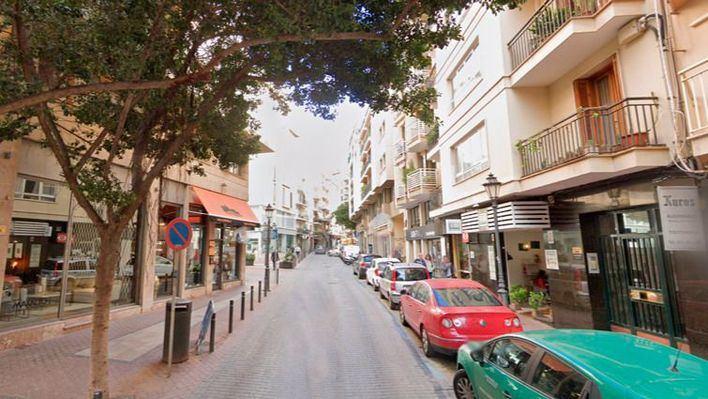 Cort comunica a los afectados que no renuncia a restringir el aparcamiento en Sant Jaume y Bonaire