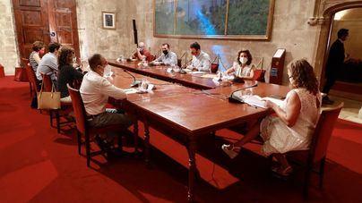 Satisfacción entre patronales y sindicatos por la decisión del Govern de no sumar más restricciones