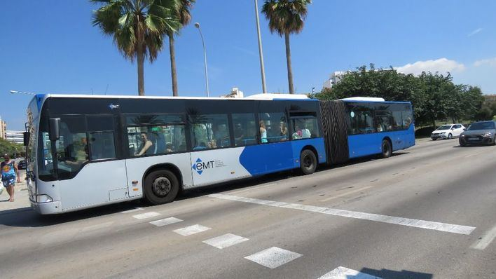 La EMT suprime en agosto 28 autobuses en las líneas de zonas turísticas y tráfico nocturno