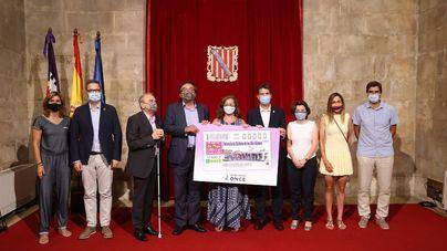 La ONCE presenta el cupón en homenaje a la Federación Balear de Ciclismo por su 125 aniversario