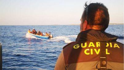 Llega una séptima patera a Baleares y ya son 121 los migrantes rescatados este jueves