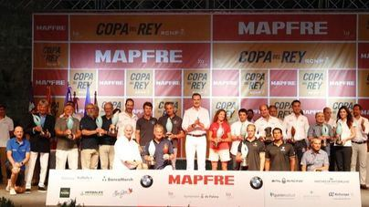 Felipe VI preside la entrega de trofeos de la Copa del Rey de Vela Mapfre