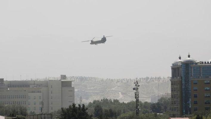 Los talibanes entran en Kabul para negociar la rendición pacífica de la capital Afgana