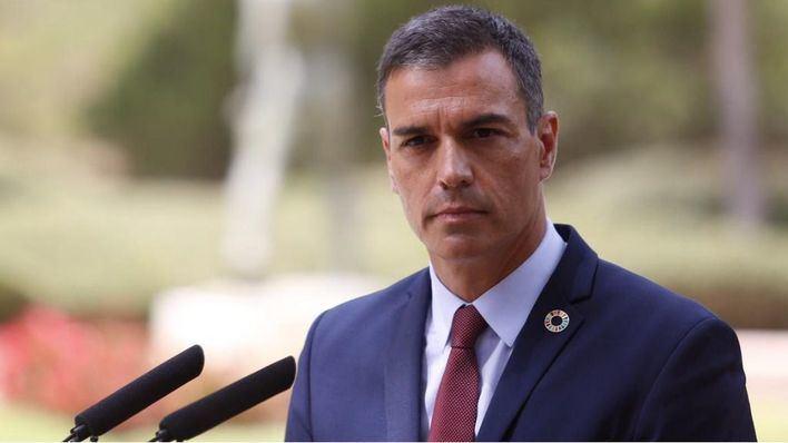 Sánchez recuerda con un 'tuit' a las víctimas de los atentados de Cataluña