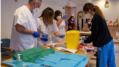España esperará al pronunciamiento de los expertos antes de aplicar la tercera dosis