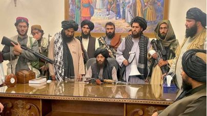 Los talibán advierten de consecuencias si los extranjeros no se van de Afganistán el día 31