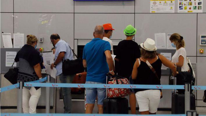 Las islas arrasan en llegadas internacionales: 1,3 millones de viajeros en julio