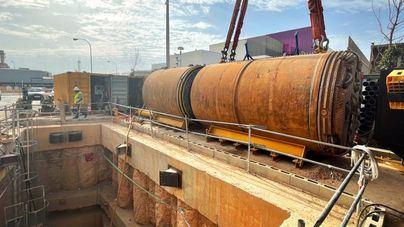 Empieza la excavación de un nuevo tramo del colector interceptor entre Vía de Cintura y Camí Fondo