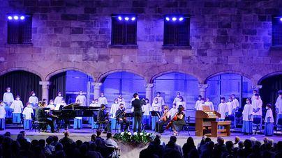 La Escolanía de Lluc y Andreu Riera, protagonistas del concierto solidario del Festival de Pollença