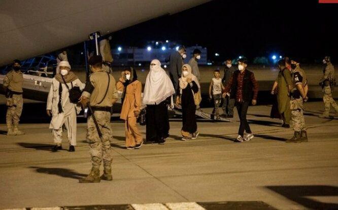 Baleares recibe 3 de los 759 refugiados afganos llegados a España