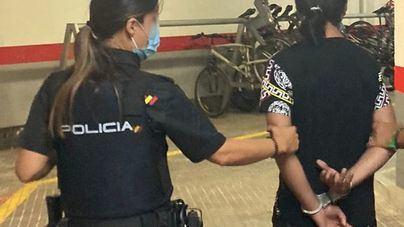 Carrito de bebé (sin bebé) y bolsa bunker: así robaba una mujer en Palma