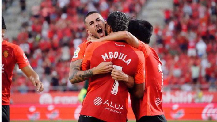 El Mallorca se impone al Espanyol para dormir en la cima de la tabla