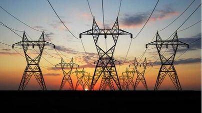 El precio de la electricidad baja pero es un 182 por cien más cara que el mismo día en 2020