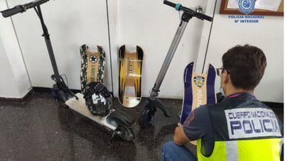 Apresados tras robar patinetes y una moto eléctrica en un local de Playa de Palma