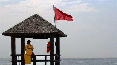 Todas las playas de Palma cierran por vertidos fecales a causa del temporal