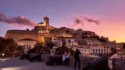 Detenida una pareja por cobrar al menos seis reservas de un piso en Ibiza que no era suyo