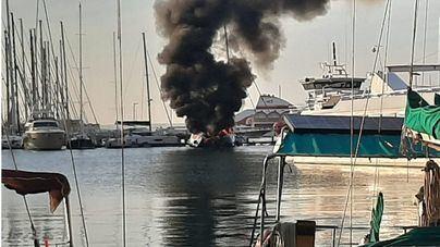 Arde un catamarán en el Náutico de Palma