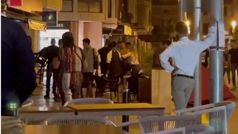 Fiebre de peleas grupales en Mallorca: nuevo incidente en Inca, con lanzamiento de mesas y sillas