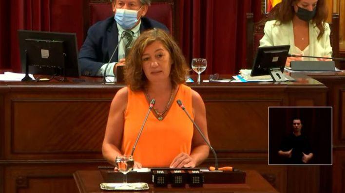 Armengol dice que la crisis económica durará dos años y promete el tranvía de Palma para 2026