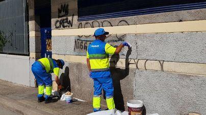 La rebaja de la tarifa dispara las peticiones de limpieza de graffitis en edificios privados de Palma