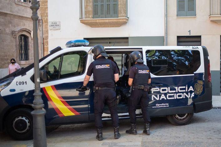 Golpe a la prostitución de menores tuteladas en Palma: 17 personas detenidas