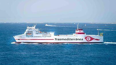 Naviera Armas Trasmediterránea disminuye emisiones y ruido en el Puerto de Almería