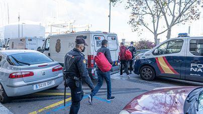 Detenidos dos patrones de pateras en Formentera cuando intentaban repostar