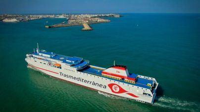 Naviera Armas pone el buque Volcán de Taburiente a disposición de los Servicios de Emergencia de La Palma