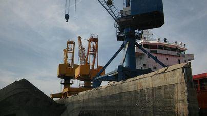 El carbón deja de llegar al Puerto de Alcúdia